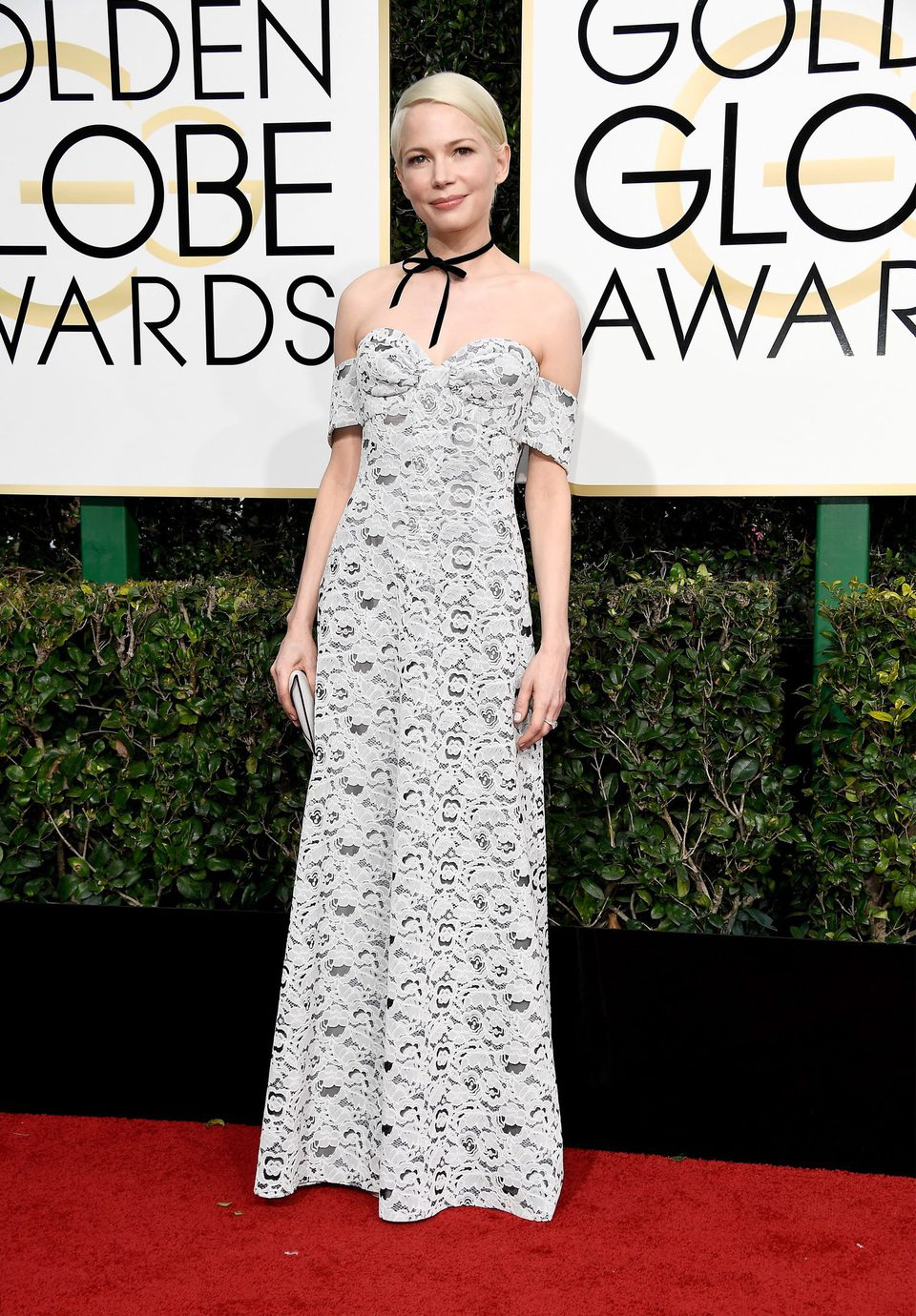 Michelle Williams at Golden Globes 2017 red carpet