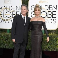 Kurt Russell, Goldie Hawn at the 2017 Golden Globes red carpet