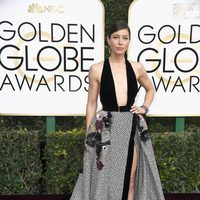 Jessica Biel at Golden Globes 2017 red carpet