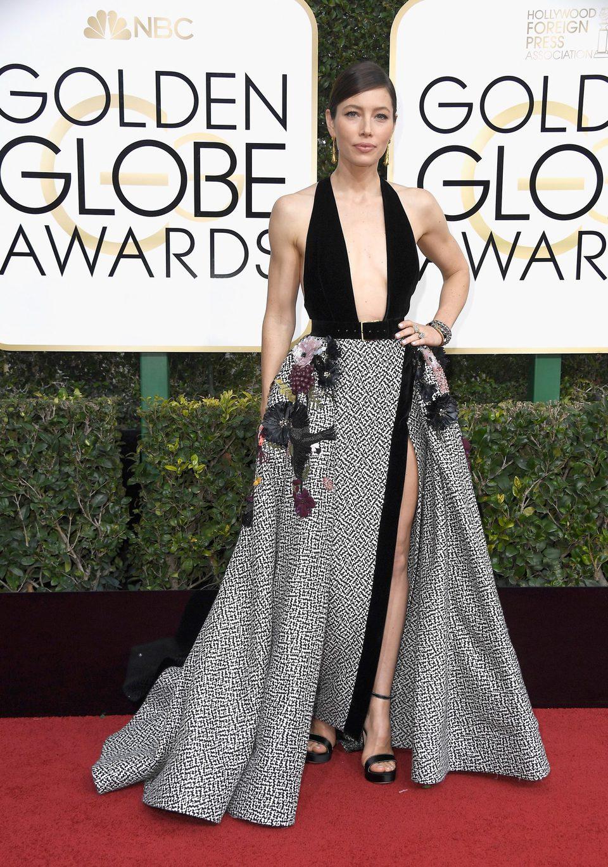 Jessica Biel at Golden Globes 2017 red carpet