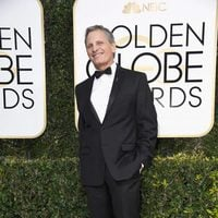 Viggo Mortensen at the 2017 Golden Globes red carpet