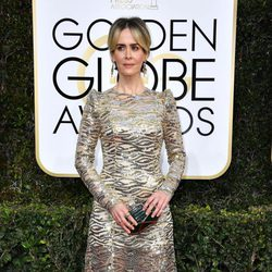 Sarah Paulson at Golden Globes 2017 red carpet