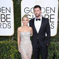 Chris Hemsworth, Elsa Pataky at the 2017 Golden Globes red carpet