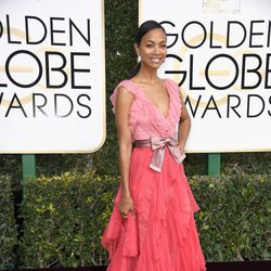 Zoe Saldana at Golden Globes 2017 red carpet