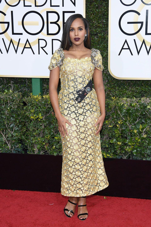 Kerry Washington at Golden Globes 2017 red carpet