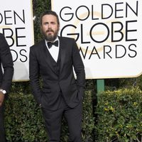 Casey Affleck at Golden Globes 2017 red carpet