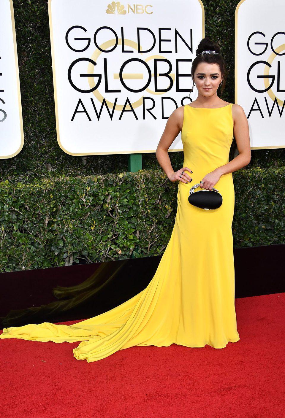 Maisie Williams at Golden Globes 2017 red carpet