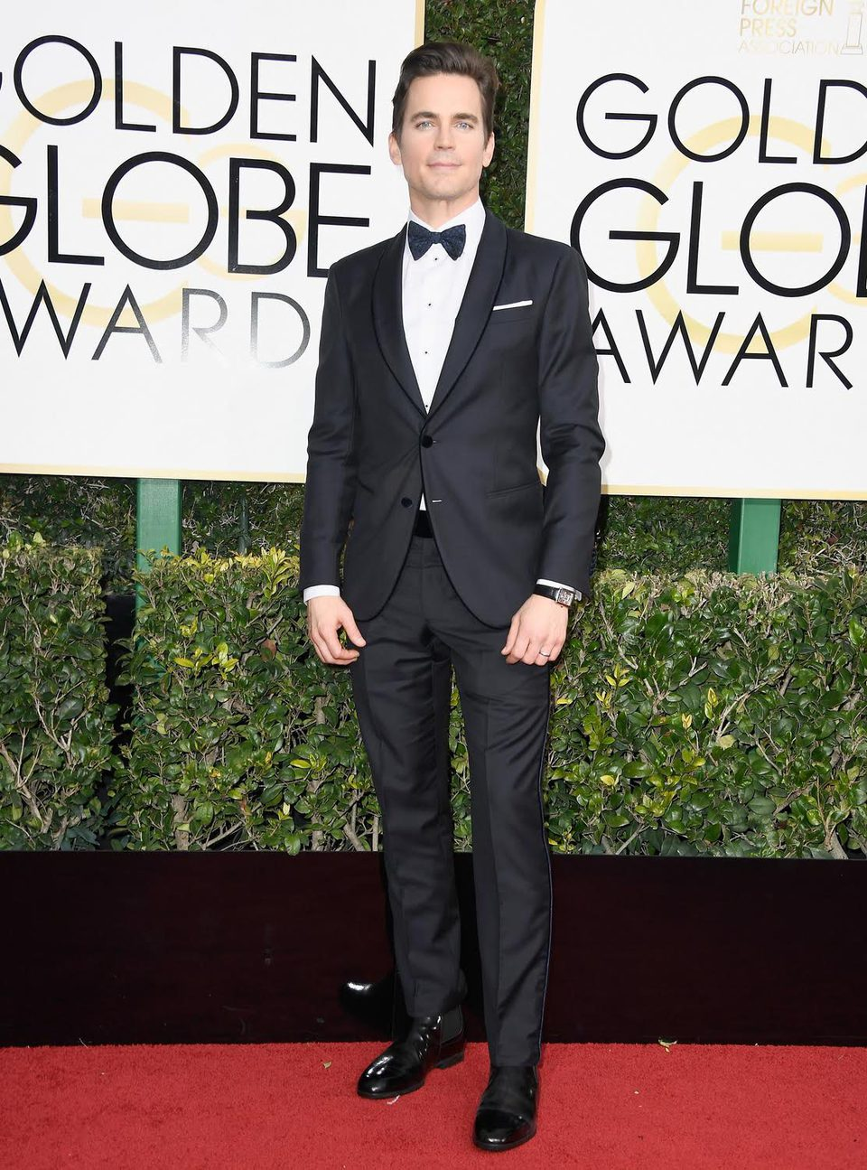 Matt Bomer at Golden Globes 2017 red carpet