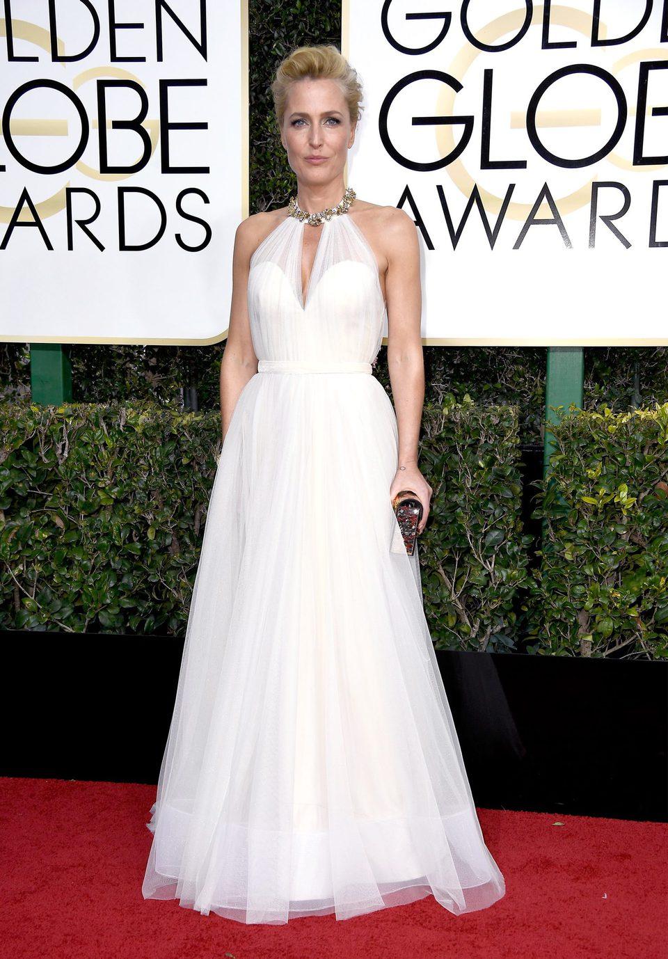 Gillian Anderson at Golden Globes 2017 red carpet