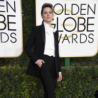 Evan Rachel Wood at Golden Globes 2017 red carpet