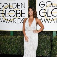 Gina Rodriguez at Golden Globes 2017 red carpet