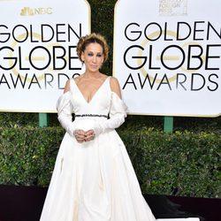 Sarah Jessica Parker at Golden Globes 2017 red carpet