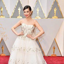 Sofia Carson at the 2017 Oscars red carpet