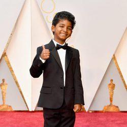 Sunny Pawar at the Oscars 2017 red carpet