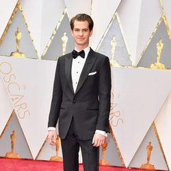Andrew Garfield at the red carpet of the Oscar 2017