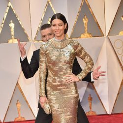 Justin Timberlake jokes with Jessica Biel at the Oscars 2017