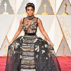 Janelle Monae at the Oscars 2017 red carpet