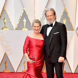Jeff Bridges and Susan Bridges at the red carpet of the Oscars 2017