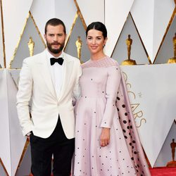 Jamie Dornan and Amelia Warner at the red carpet of the Oscars 2017