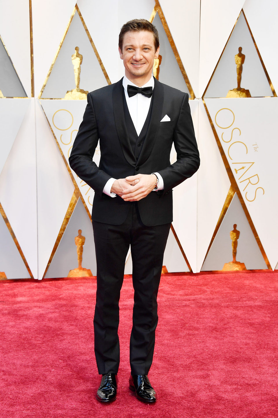 Jeremy Renner at the Oscars 2017 red carpet