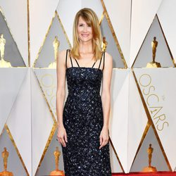Laura Dern at the Oscars 2017 red carpet
