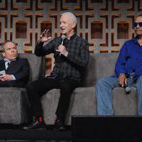 Warwick Davis, Anthony Daniels y Billy Dee Williams in the Star Wars Celebration