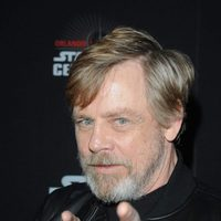 Mark Hamill pointing in the Star Wars Celebration