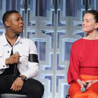 Daisy Ridley y John Boyega at the panel of 'The last Jedi' in the Star Wars Celebration