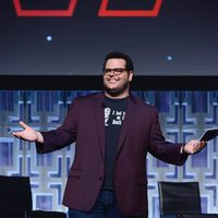 The actor Josh Gad presents the panel of 'The last Jedi' in the Star Wars Celebration