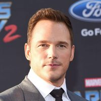 Chris Pratt poses at world premiere of 'Guardians of the Galaxy Vol. 2'