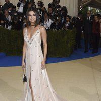 Selena Gómez on the red carpet of Met Gala 2017