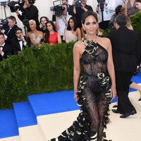 Halle Berry on the Met Gala red carpet 2017