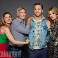 The cast of 'Blade Runner: 2049' poses in the Comic-Con 2017