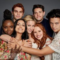 The cast of 'Riverdale' poses during the Comic-Con 2017