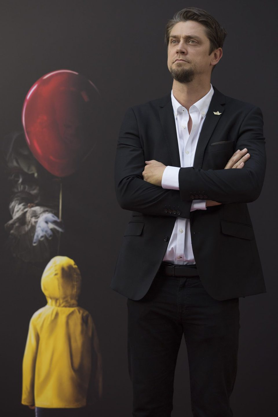 Andy Muschietti poses like James Bond at 'It' presentation in Madrid
