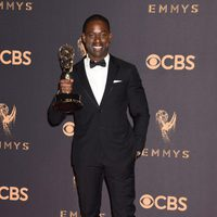 Sterling K. Brown with his Emmy 2017 for best actor in a drama series