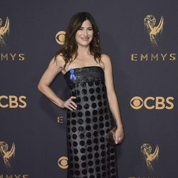 Kathryn Hahn at the Emmys 2017 red carpet