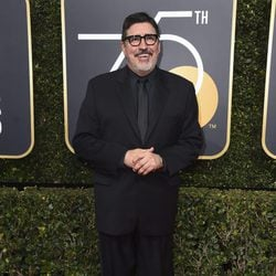 Alfred Molina at the red carpet of the Golden Globes 2018