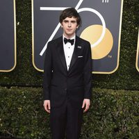Freddie Highmore at the Golden Globe's red carpet 2018