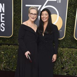 Meryl Streep and Al-jen Poo at the Golden Globes 2018 red carpet