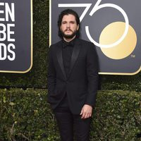Kit Harington at the Golden Globes 2018 red carpet