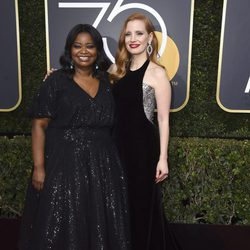 Jessica Chastain y Octavia Spencer at the Golden Globes 2018 red carpet