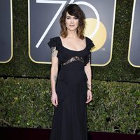 Lena Headey at the Golden Globes 2018 red carpet
