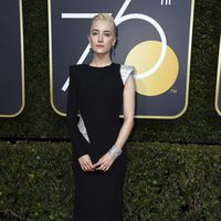 Saoirse Ronan at the Golden Globes 2018 red carpet