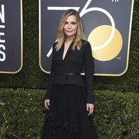 Michelle Pfeiffer at the Golden Globe's red carpet 2018