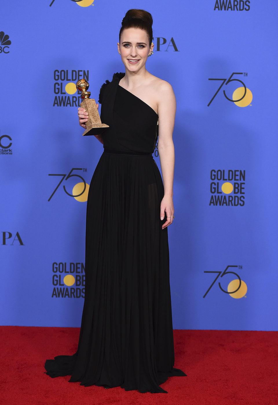 Rachel Brosnahan wins Best Tv Actress in a Comedy or Musical Golden Globe 2018