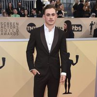 Dacre Montgomery poses for 2018 SAG photographers