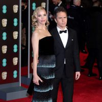 Leslie Bibb and Sam Rockwell at the BAFTAs 2018 red carpet