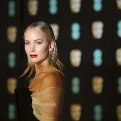 Jennifer Lawrence is drop dead gorgeous at the BAFTAs 2018