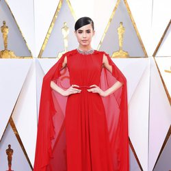 Sofia Carson at the 2018 Oscars red carpet